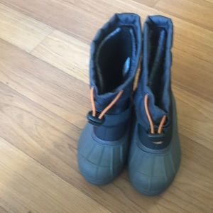 Columbia boys  boots size 11